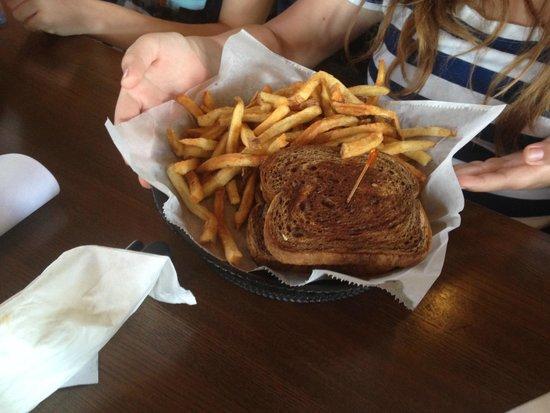 Milwaukee Burger Company - Wausau: The Milwaukee Melt