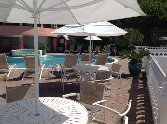 Pompano Beach Club : pool,  had lunch one day (Sam on tap!!)