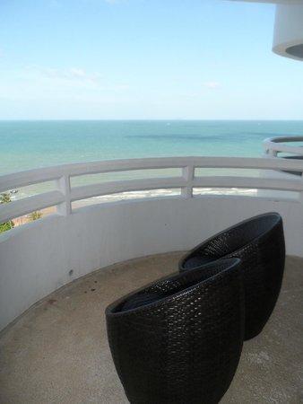 D Varee Jomtien Beach, Pattaya: View on balcony