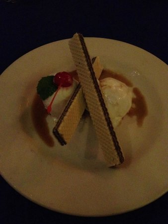 Pancho's Backyard: Coconut ice cream w Kaluha. Yum.