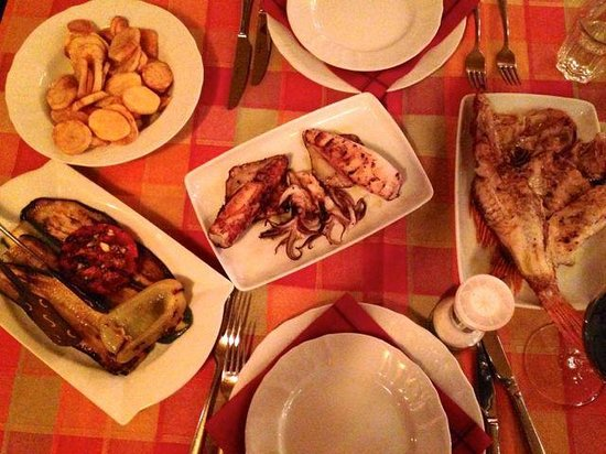 Kantun: Grilled squid, fish, vegetables, fried potatoes