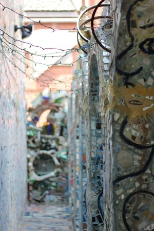Philadelphia's Magic Gardens : the garden