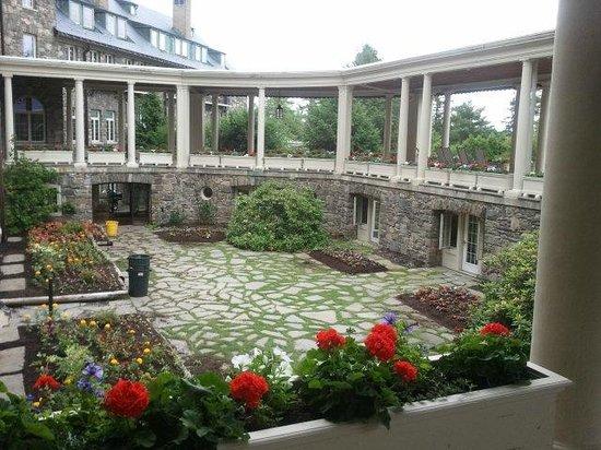 Skytop Lodge : Rear Foyer