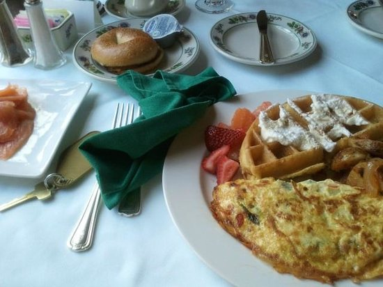 Skytop Lodge : Breakfast Buffet (Omelette Station)
