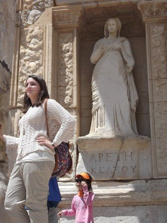 Celsus Kutuphanesi: Who's The Goddess
