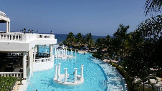 Grand Palladium Lady Hamilton Resort & Spa : Linda Piscina.