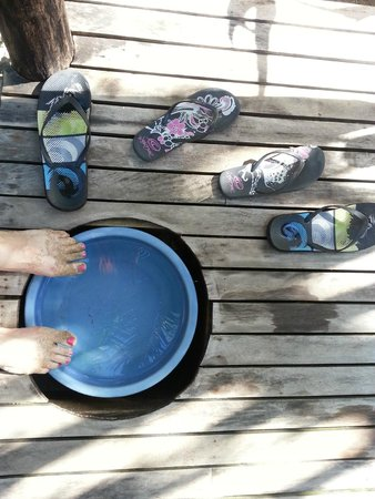 Robinson Crusoe Island Resort: Never wore footwear