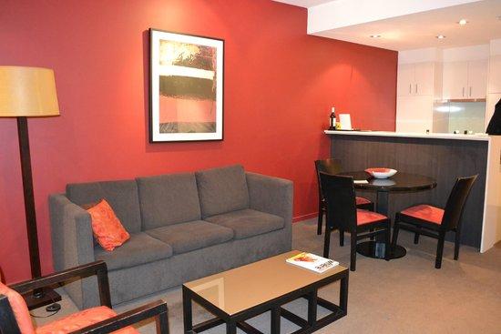Adina Apartment Hotel Melbourne Northbank: Lounge room