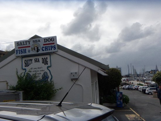 Salty Sea Dog: fish and chips!!