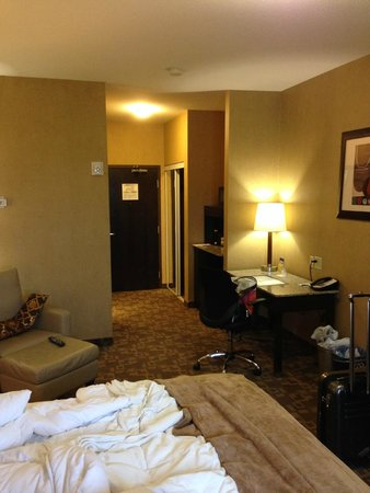 BEST WESTERN PLUS South Edmonton Inn & Suites: Room From Another Angle