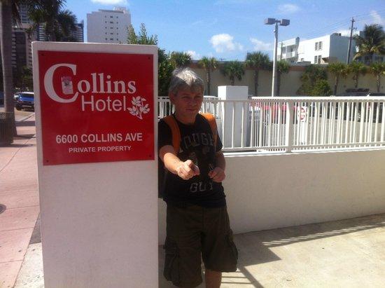 Collins Hotel: Entrada del Hotel