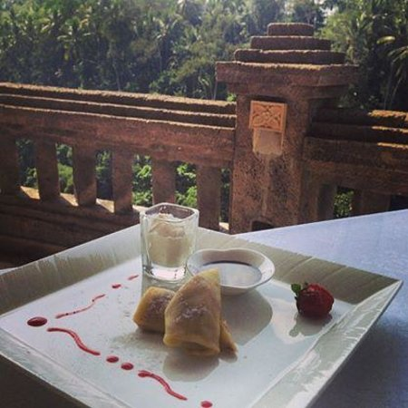 Viceroy Bali: Citrus crepes with a view over the valley