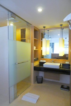Pakasai Resort : open concept bathroom of Adora Suite