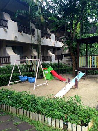 Pakasai Resort : playground area for kids