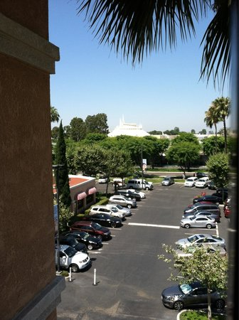 Fairfield Inn Anaheim Resort: A view of Space Mountain just around the corner from Room 542.