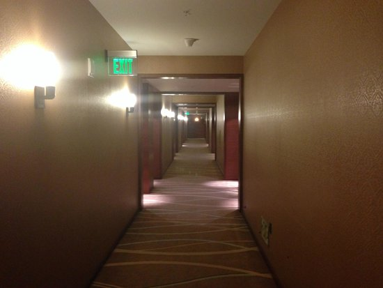 The Ritz-Carlton, Los Angeles : Hallway