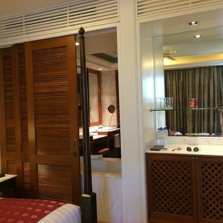 The Danna Langkawi, Malaysia : Merchant Room