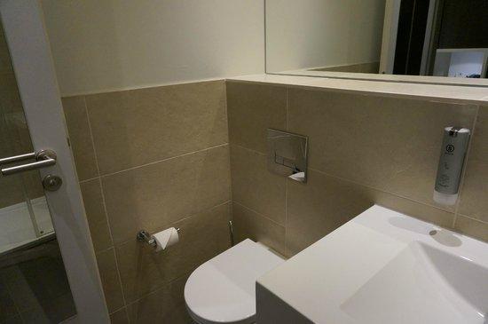 Novum Winters Hotel Checkpoint Charlie: Bathroom