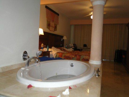 Grand Palladium Palace Resort, Spa & Casino: mi yacuzzi