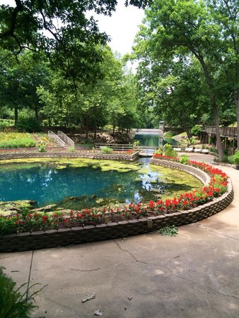 Blue Spring Heritage Center: Beautiful and Peaceful Place