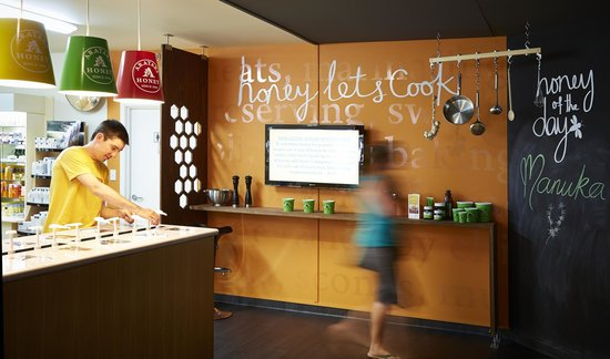 Arataki Honey Visitor Centre : Lets Cook with Honey