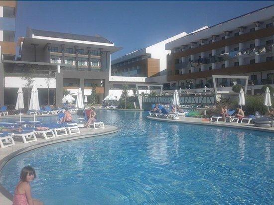 Terrace Elite Resort : Pool