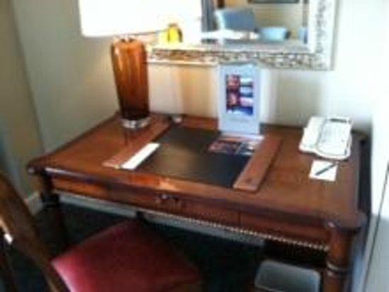 The Ritz-Carlton, Half Moon Bay: 家具もリッツらしい