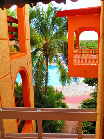 Sol Rio de Luna y Mares : View from stairs - Mares side