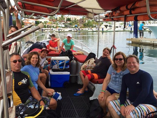PV Sea Dive: Getting ready for a day of diving!