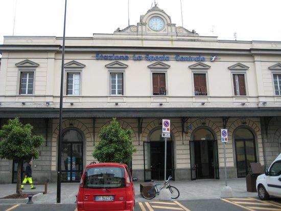 Affittacamere Lunamar: Railway Station
