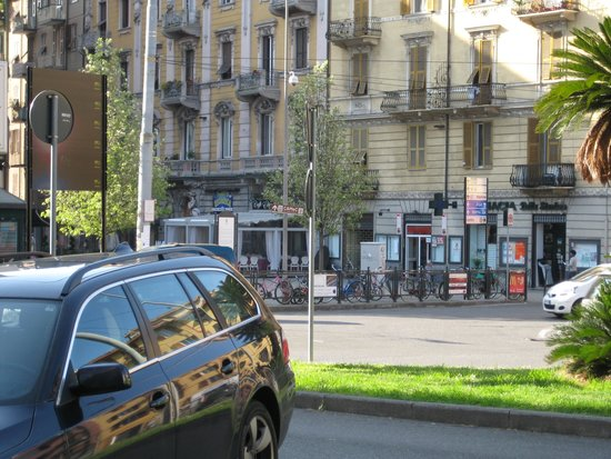 Affittacamere Lunamar: Looking from Front gate to cafe