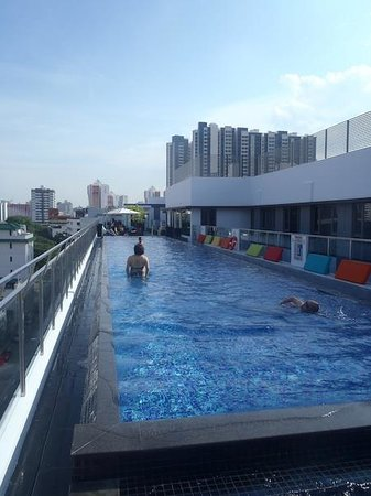 Parc Sovereign Hotel - Tyrwhitt : Roof Top Pool