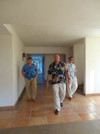 Hyatt Place Los Cabos: we dressed up for dinner, long pants required