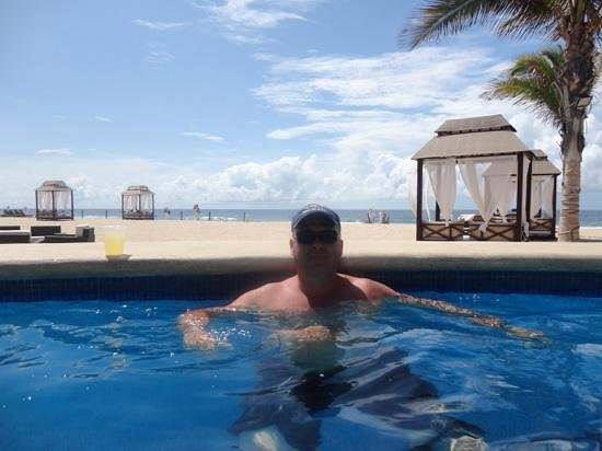 Hyatt Place Los Cabos: beautiful beack and cabanas for reservation