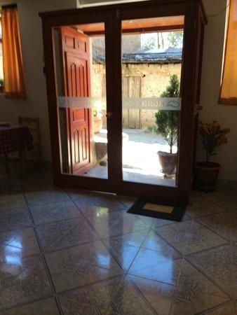 La Casa del Abuelo: Door