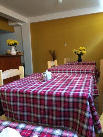 Dona Catta Inn: Dining