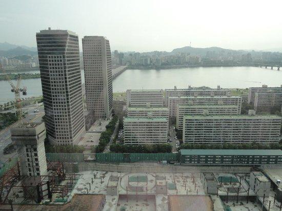 Conrad Seoul: Room on 22nd floor