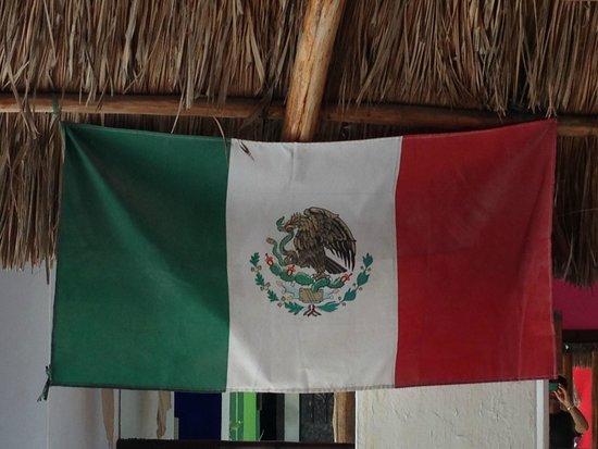 Itour Mexico: Flag