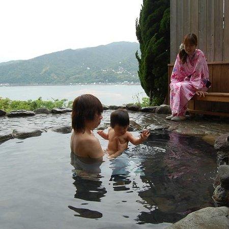 Cocorone: 無料貸切露天風呂で過ごす家族の時間