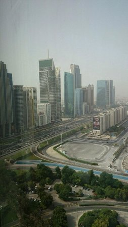 Jumeirah Emirates Towers: 部屋(21階)からの眺め
