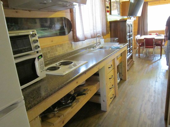 Glacier View RV Park : Kitchen