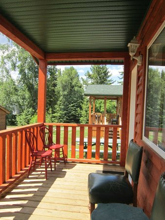 Glacier View RV Park : Deck