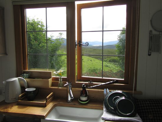 Skye Shepherd Huts: Our view and the cute sink area.