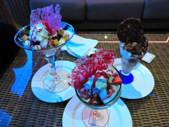 Restaurants at the Four Seasons Hotel : Summer Refresh, Yogurt Forest Fruits and Caramel Lovers