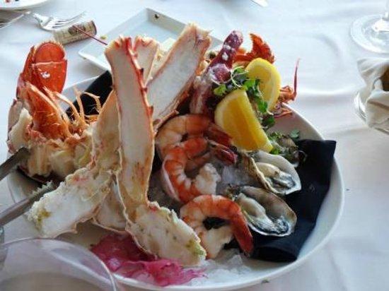 LA Prime at The Westin Bonaventure Hotel : chilled seafood platter