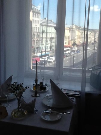 Palkin: вид на Невский и здание Английского клуба...