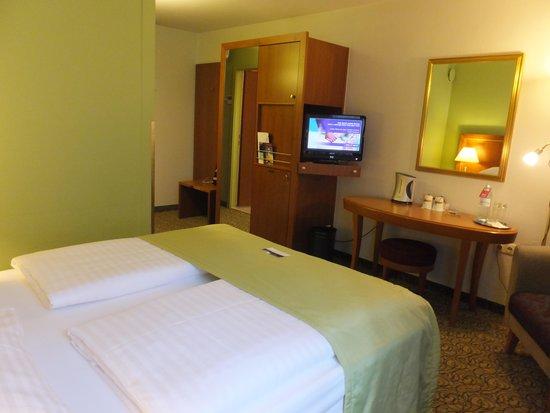 Hotel Mercure Wien Westbahnhof: ベッド