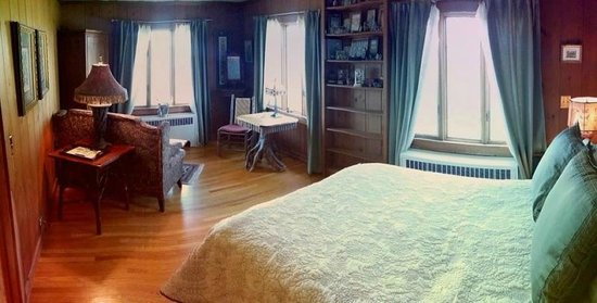 West Shokan, NY: Meadow Suite