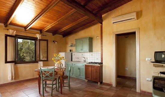 cucina,soggiorno - Foto di Rustico degli Ulivi, Orosei ...