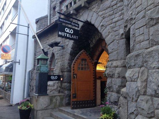 GLO Hotel Art: The beautiful entrance.